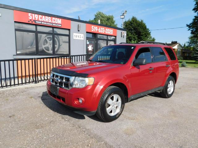 2010 Ford Escape XLT | Leather | Sunroof | Heated Seats