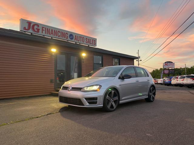2016 Volkswagen Golf R-Line