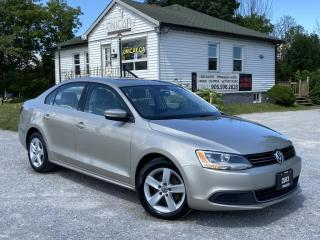 Used 2013 Volkswagen Jetta Sedan No-Accidents Comfortline 2.5 Sunroof Bluetooth Heated Seats for sale in Sutton, ON