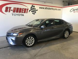 Used 2019 Toyota Camry SE Auto for sale in St-Hubert, QC