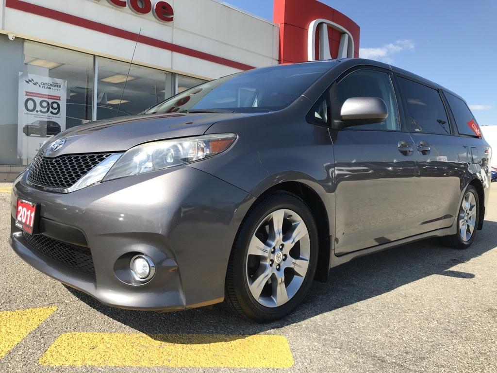 used 2011 toyota sienna se 8 passenger for sale in simcoe, ontario carpages.ca
