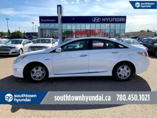 Used 2015 Hyundai Sonata Hybrid LIMITED/HYBRID/PANO ROOF/BACKUP CAM for sale in Edmonton, AB