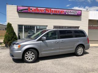 Used 2015 Chrysler Town & Country TOURING for sale in Tilbury, ON