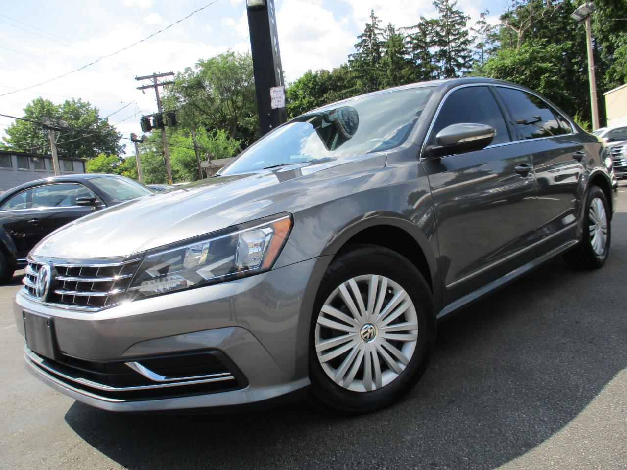 used 2016 volkswagen passat 1.8 tsi 5 speed one owner 98kms heated seat for sale in burlington, ontario carpages.ca