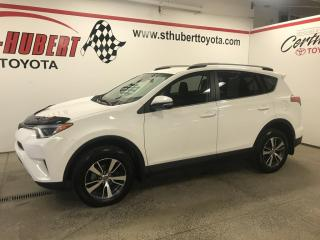 Used 2018 Toyota RAV4 AWD LE, BAS KM for sale in St-Hubert, QC