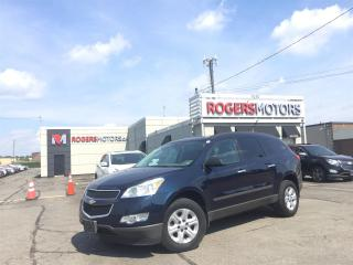Used 2010 Chevrolet Traverse LS FWD - 8 PASS - SUNROOF - REVERSE CAM for sale in Oakville, ON