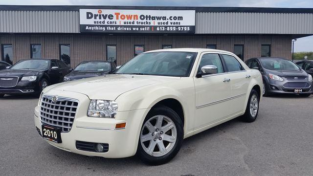 2010 Chrysler 300 TOURING ROOF RUNS FANTASTIC