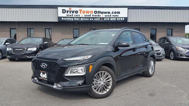2020 Hyundai KONA AWD WITH THE LUXURY PACKAGE ONLY 8K