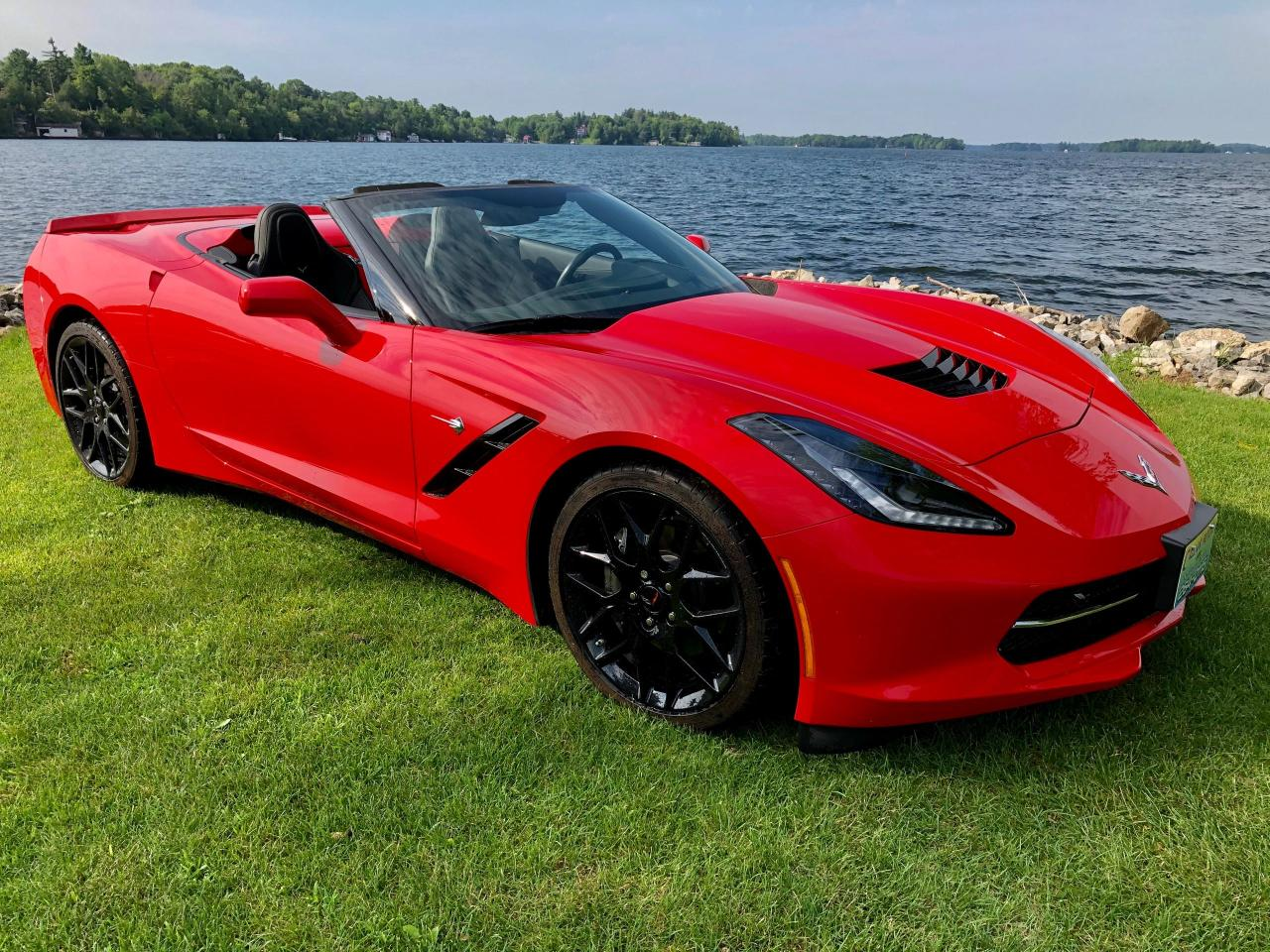 2018 Chevrolet Corvette Convertible 2LT   With only 13800 km