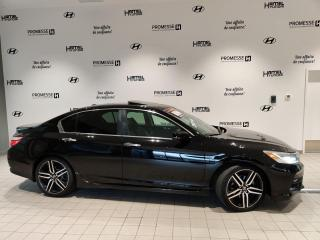 Used 2016 Honda Accord TOURING 2016 **NAVI/CUIR/TOIT/MAGS** for sale in St-Eustache, QC