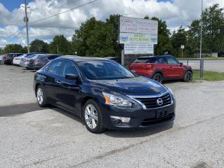 Used 2014 Nissan Altima 2.5 SV for sale in Komoka, ON