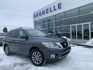 Used 2014 Nissan Pathfinder SV for sale in St-Eustache, QC