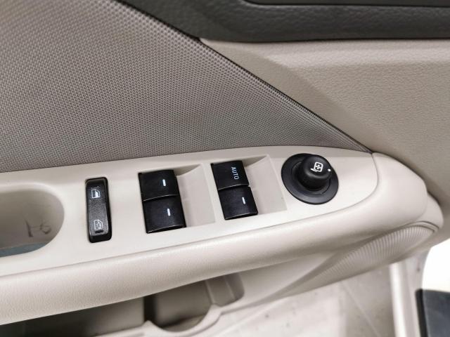 2010 Ford Fusion SE Photo9