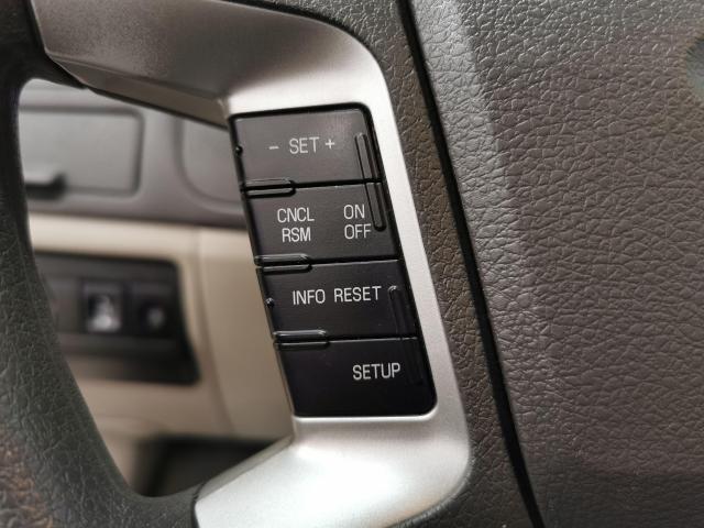 2010 Ford Fusion SE Photo13
