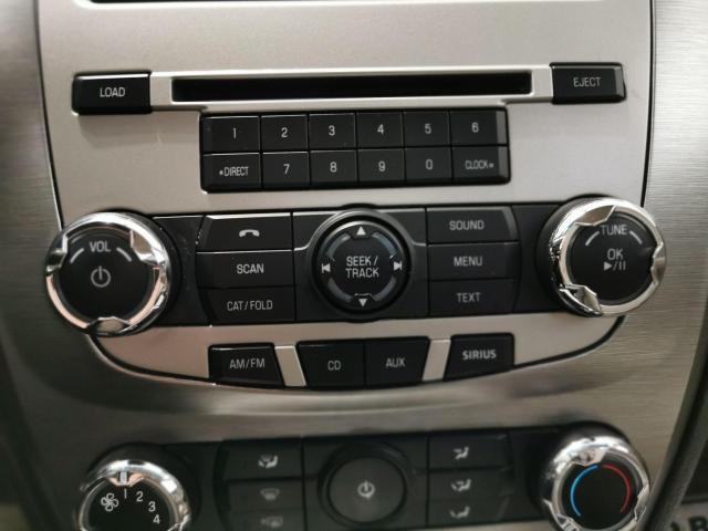 2010 Ford Fusion SE Photo16