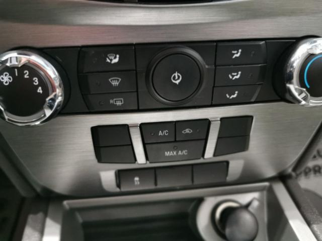 2010 Ford Fusion SE Photo17