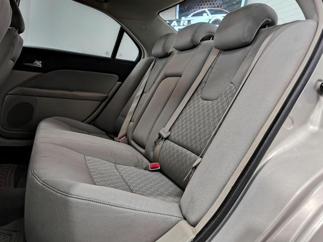 2010 Ford Fusion SE Photo21