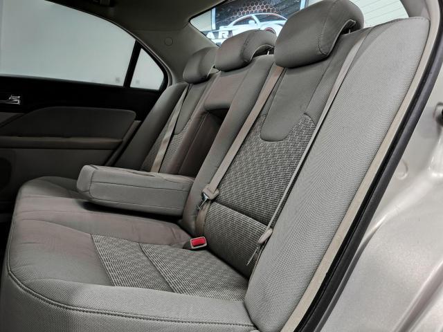 2010 Ford Fusion SE Photo22