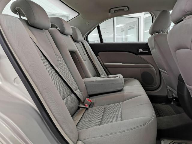 2010 Ford Fusion SE Photo26