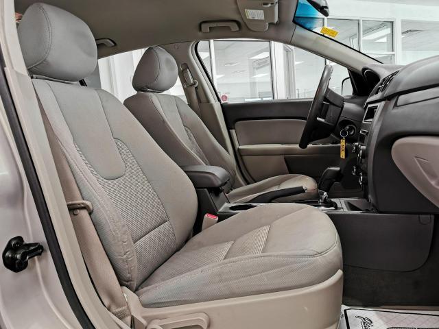 2010 Ford Fusion SE Photo27
