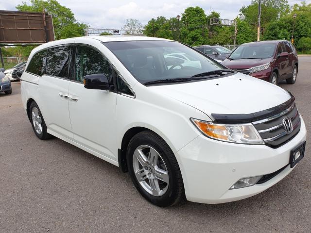 2011 Honda Odyssey Touring Photo3