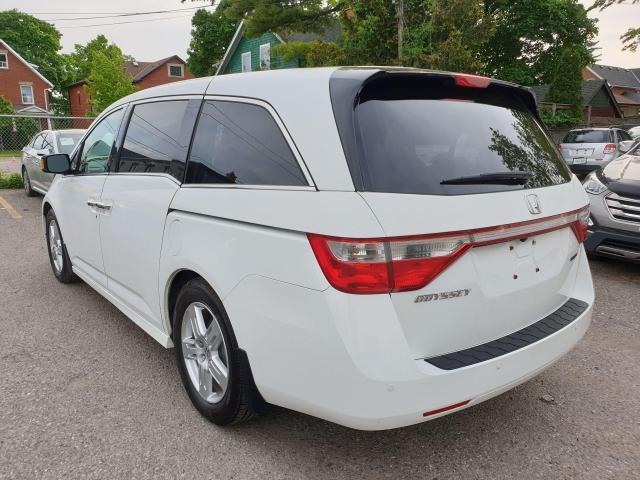 2011 Honda Odyssey Touring Photo7