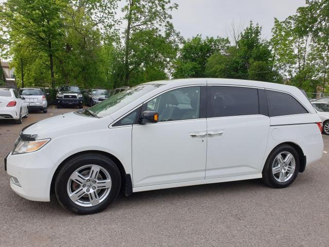 2011 Honda Odyssey Touring Photo8