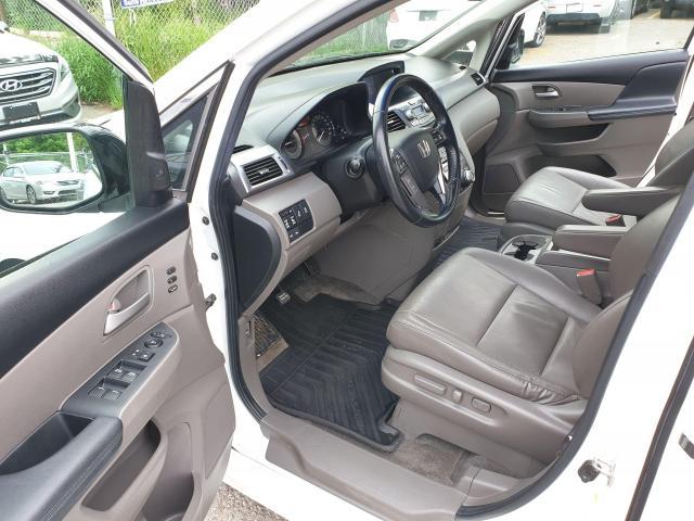 2011 Honda Odyssey Touring Photo9