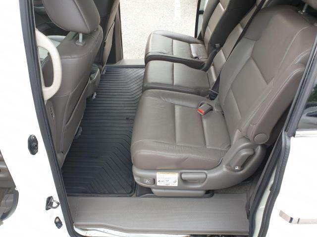 2011 Honda Odyssey Touring Photo10