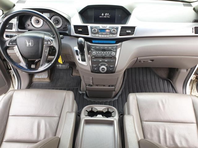 2011 Honda Odyssey Touring Photo13