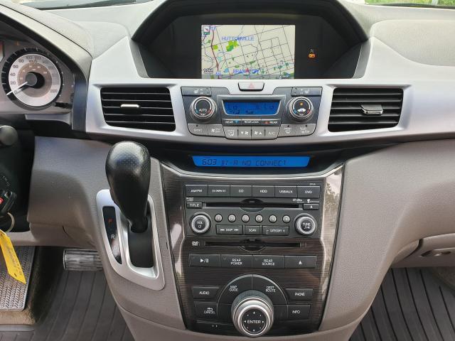 2011 Honda Odyssey Touring Photo14