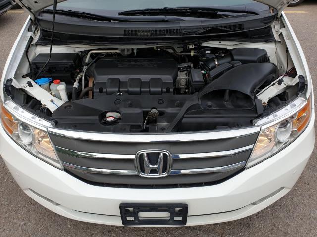2011 Honda Odyssey Touring Photo27