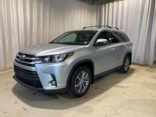 Used 2019 Toyota Highlander XLE AWD CUIR+TOIT(AWC,4X4,4WD) for sale in Sherbrooke, QC