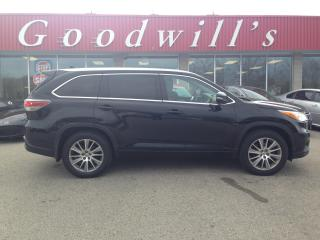 Used 2015 Toyota Highlander XLE! 8 PASS! HEATED LEATHER! NAV! B/T! SUNROOF! for sale in Aylmer, ON