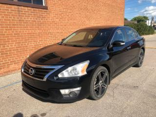 Used 2014 Nissan Altima 3.5 SL/NAVIGATION/LEATHER/CAMERA/ SENSORS/ SUNROOF for sale in Oakville, ON