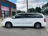 2014 Chrysler Town & Country Fully Loaded!