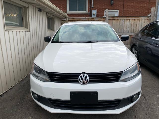 2011 Volkswagen Jetta **Trendline**HEATED SEATS**
