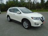Photo of Pearl White 2017 Nissan Rogue