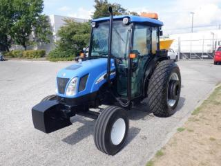 Used 2006 NEW HOLLAND TN75DA Tractor Feed/Seed Spreader Diesel 2 wheel drive for sale in Burnaby, BC