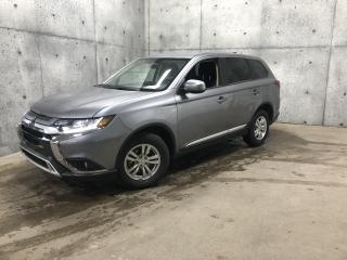Used 2020 Mitsubishi Outlander S-AWC 7 PASSAGERS *GARANTIE* CAMERA DE RECUL  * CARPLAY for sale in St-Nicolas, QC
