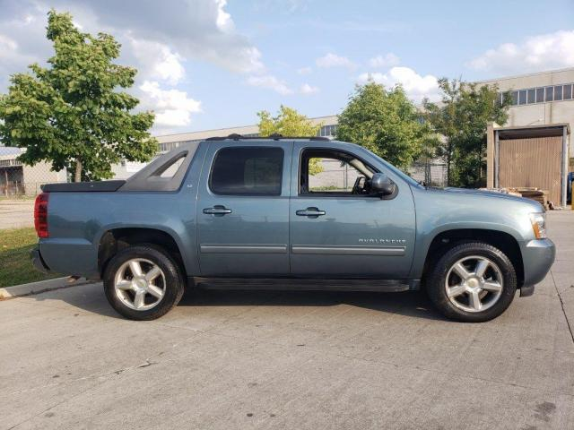 2011 Chevrolet Avalanche Crew cab, 4X4, Leather, Warranty avail