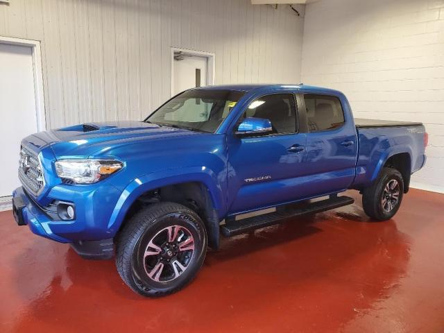2017 Toyota Tacoma TRD SPORT 4X4