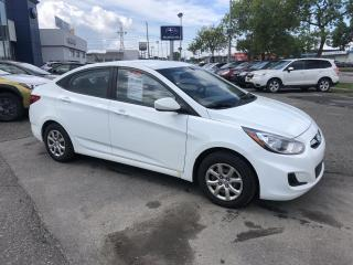 Used 2013 Hyundai Accent Berline 4 pts  manuelle for sale in Trois-Rivières, QC