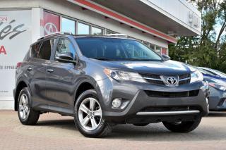 Used 2015 Toyota RAV4 ***RÉSERVÉ***XLE FWD MAGS, TOIT, SIÈGES CHAUFFANT for sale in Pointe-Claire, QC