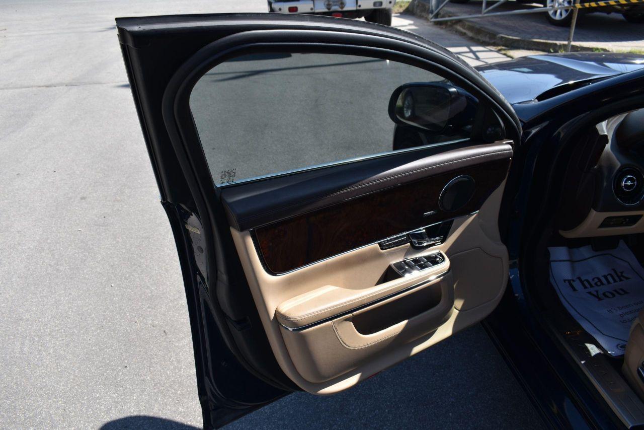 2013 Jaguar XJ