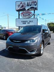 Used 2017 Chrysler Pacifica Limited for sale in Windsor, ON