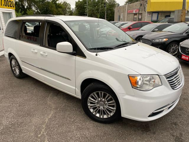 2016 Chrysler Town & Country TOURING/ LEATHER/ CAM/ PWR DOORS & LIFTGATE ++