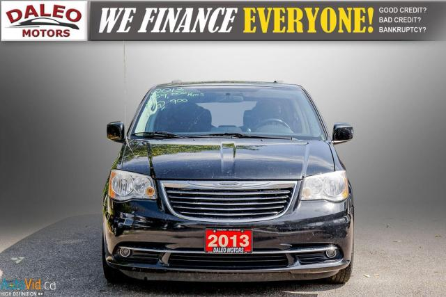 2013 Chrysler Town & Country TOURING / BACKUP CAM / POWER REAR HITCH / REAR A/C Photo3