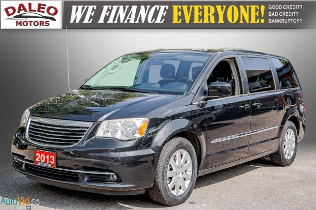 2013 Chrysler Town & Country TOURING / BACKUP CAM / POWER REAR HITCH / REAR A/C Photo4