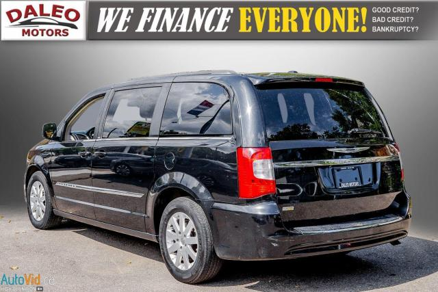 2013 Chrysler Town & Country TOURING / BACKUP CAM / POWER REAR HITCH / REAR A/C Photo6